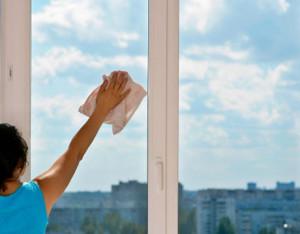 почистване на витрини